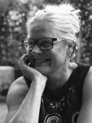 'Wit': eerste roman van DES-dochter Geeri Bakker
